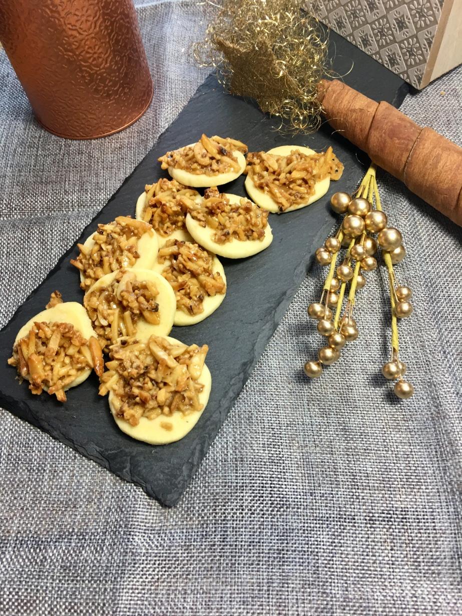 Shortbread mit Karamell NussHäubchen