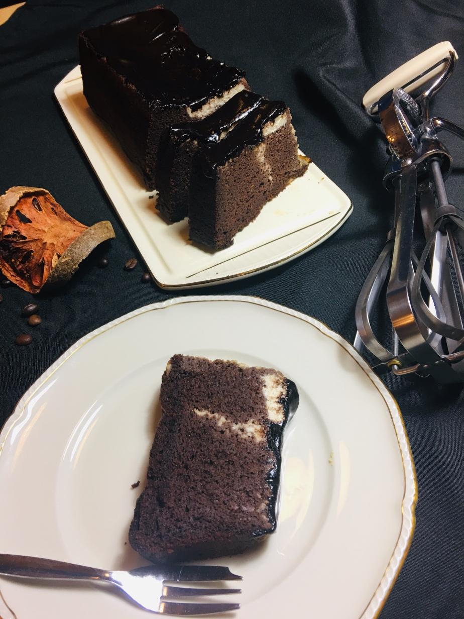 Schokoladen Kuchen mit Frischkäse Guss LowCarb