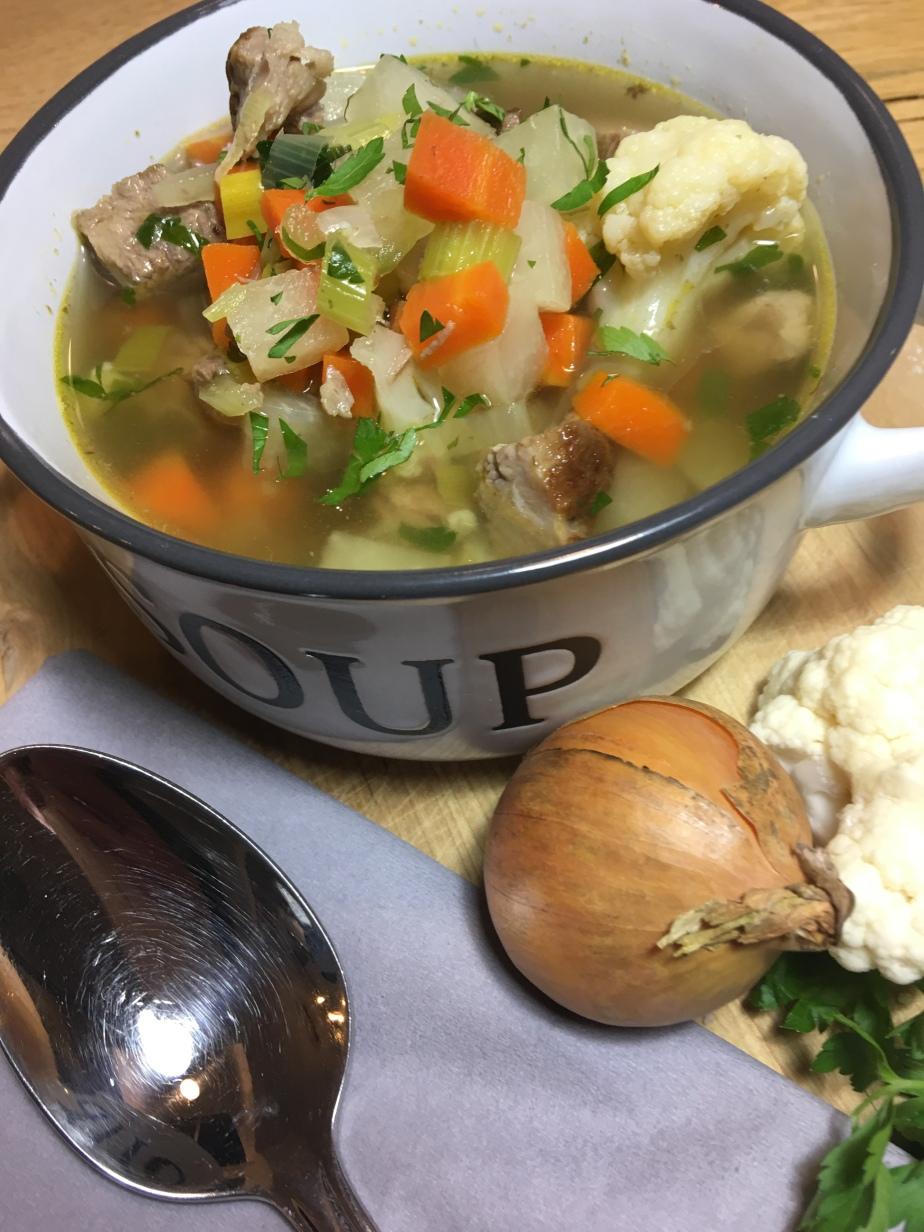 deftige Gemüsesuppe mitRindfleisch