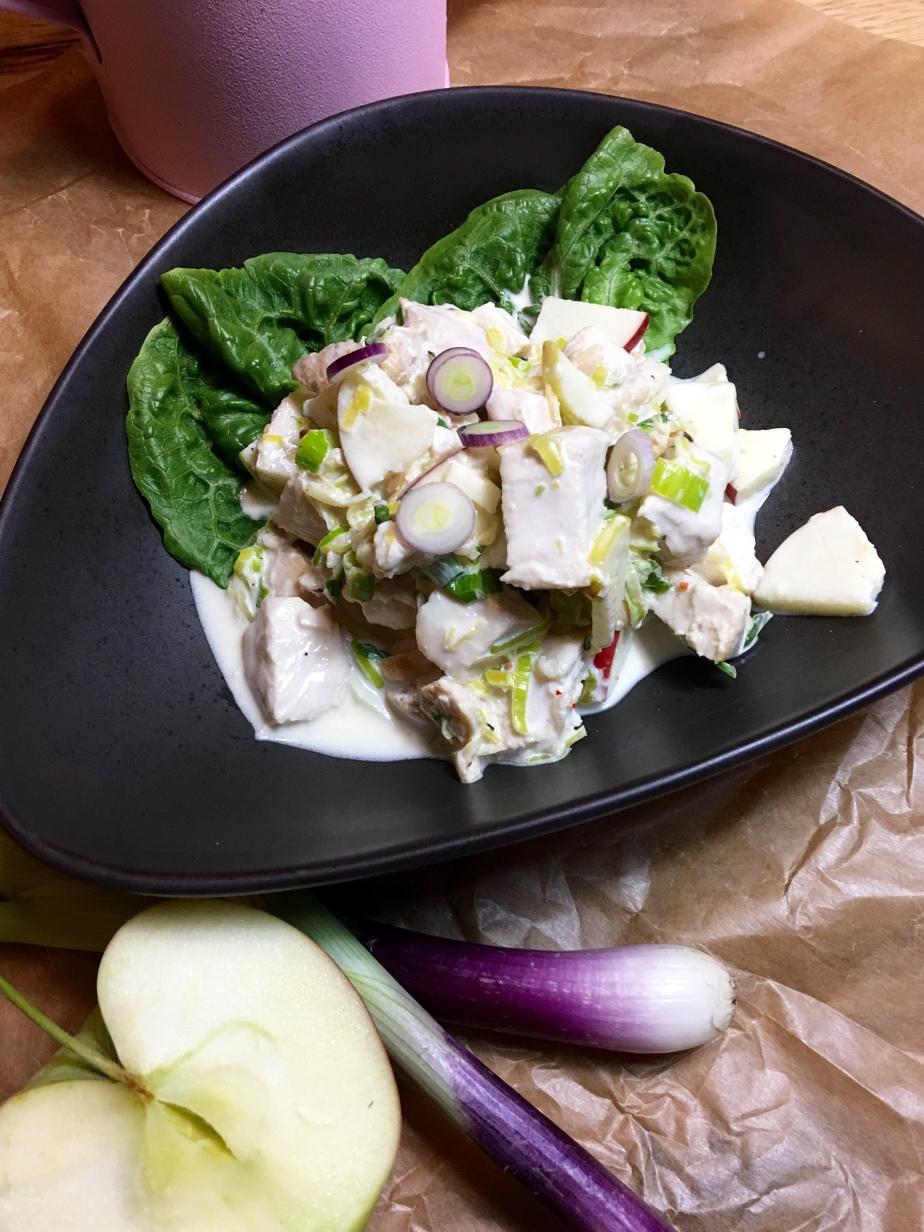 Hähnchen Apfel Salat mitLauch