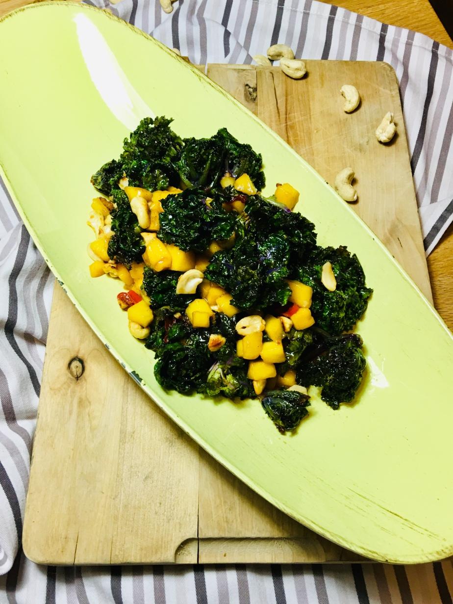 Flower Sprouts Salat CashewKerne/Mango