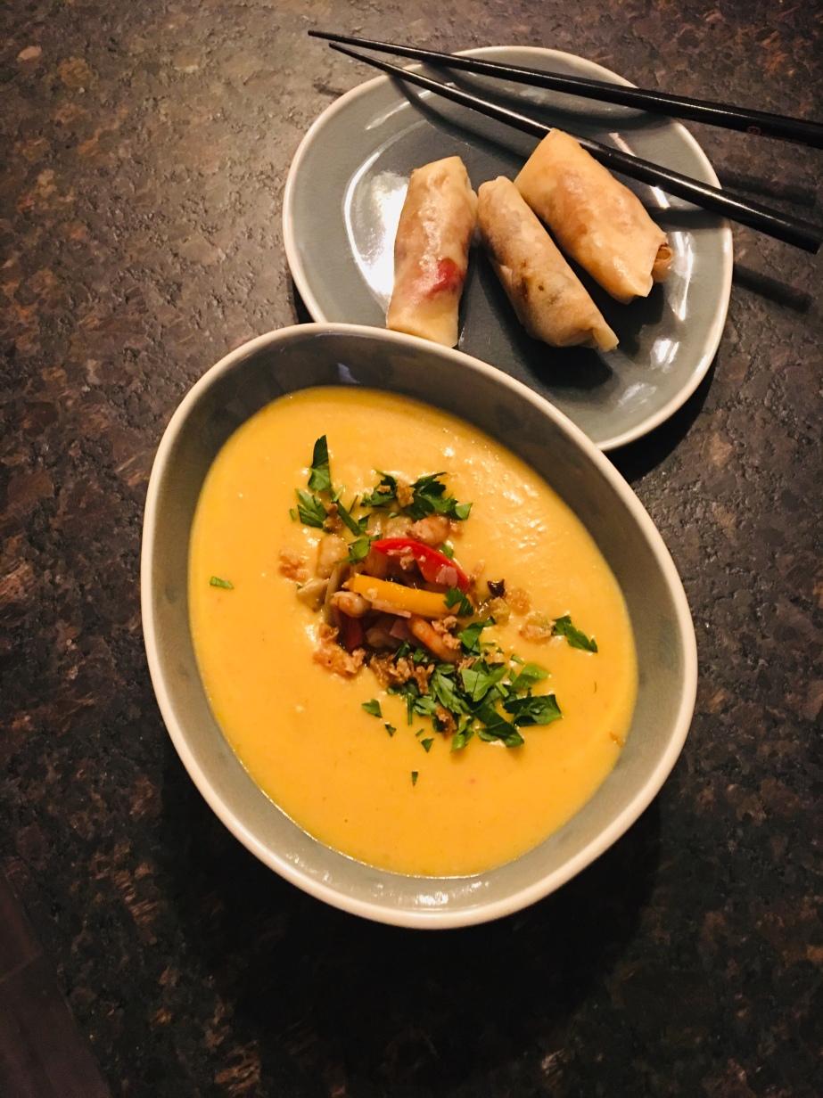 Sup kelapa kentang dengan  lumpia(Kartoffel Kokos Suppe mit Frühlingsrollen)