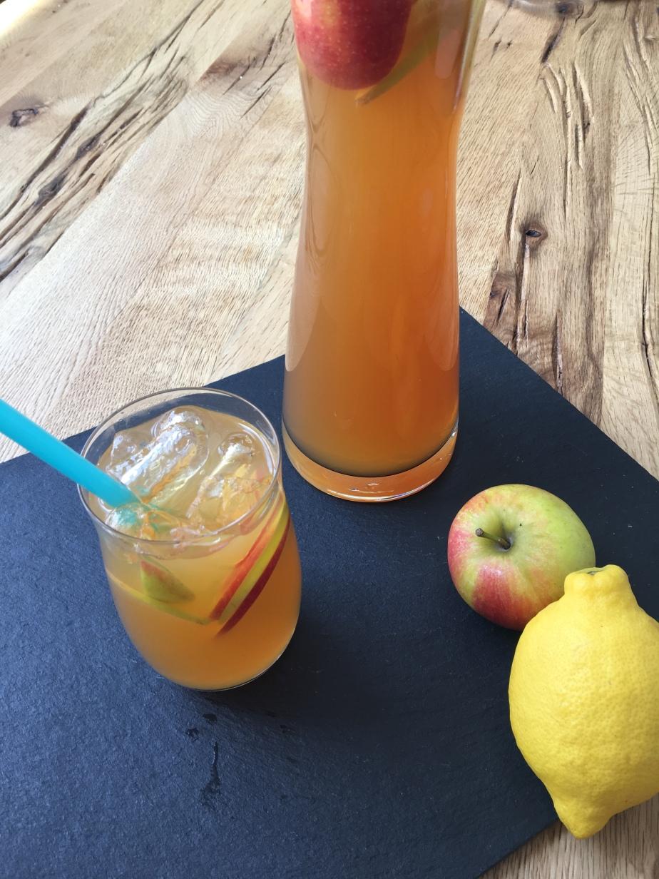 Zitronen Apfel Eistee